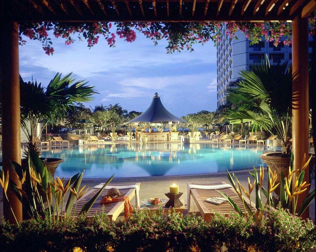 Fairmont Singapore 綺麗なプール